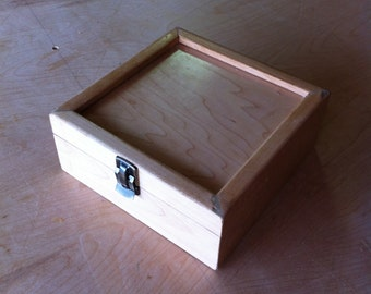 Wooden Box, Ideal for small games or trinkets