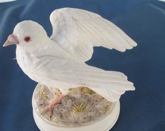 Vintage Gorham Porcelain Dove Music Box  Home Decor Music Boxes Musical Gifts Collectible  Birds