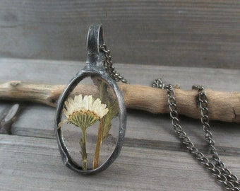 real plant necklace, botanical, dried plant, terrarium necklace, real flowers necklace, camomile, handmade
