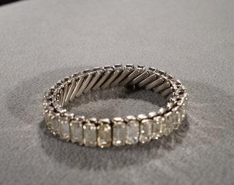 Vintage Art Deco Style Silver Tone Rhinestones Rectangular Expandable Bracelet Jewelry      K