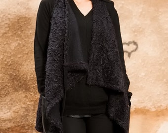 Black Sleeveless Boucle Coat/Extravagant Woolen Vest/Loose Knitted Top