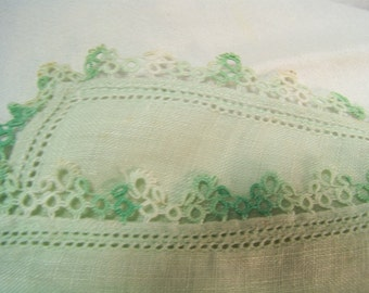 Soft Green Cotton Hanky with Hand Tatted Edge Vintage 1950's