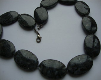 Vintage Dark Gray Jasper Big Oval Form Beads Elegant Women Handmade Knotted Necklace