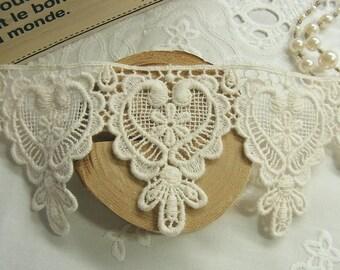 1 Yard Vintage style Cotton Crochet Lace Trim - Lovely Heart #352