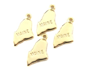 2x Gold Plated Engraved Maine State Charms - M114-ME