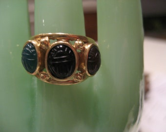 Vintage 14KT Yellow Gold Ring With Three Scarabs