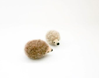 Miniature hedgehog brooch, Needle felt hedgehog jewelry, Beige brown hedgehog, Nature inspired, Valentines day gift idea, Mother's day gift
