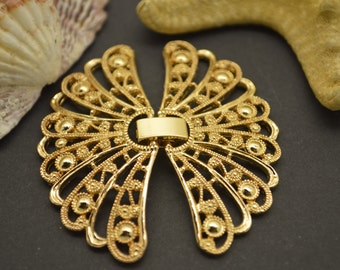 Gold plated metal with easy on and off, butterfly style watch buckle style clasp