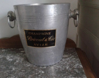Vintage champagne bucket in excellent condition