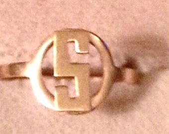 10K Gold Initial 'S' Ring - Size 5