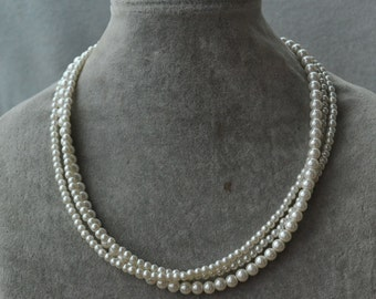 ivory pearl Necklace,Glass Pearl Necklace,small pearl Necklace,Wedding Necklace,bridesmaid necklace,Jewelry
