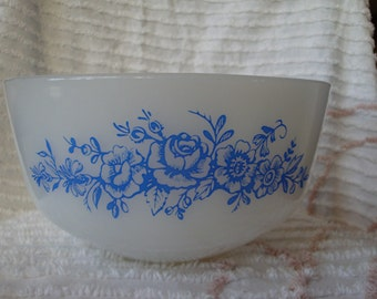"""FREE SHIPPING Federal Blue Flower Bowl 8"""""""