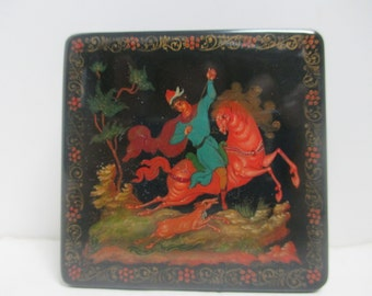 Vintage Hand Painted Black and Red Lacquered Ornate & Detailed Russian Box.