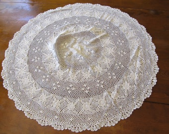 Vintage Hand Made Round Crotched Doily 29 inch Diameter