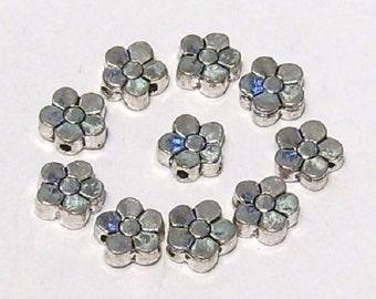 10 x Tibetan Silver Flower Beads 7.5mm Nickel Free Daisy Charms - Daisies TS27