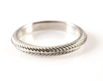 Palm Ring Narrow in 14kt White Gold