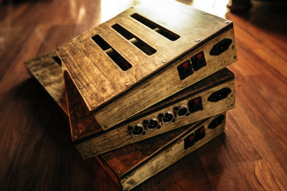 custom sized guitar pedal boards bodeche x lookwright. Black Bedroom Furniture Sets. Home Design Ideas