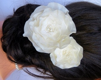 Ivory wedding flower hair clip, bridal hair flower, bridal hair clip, wedding hair flower, bridal hair piece , READY TO SHIP