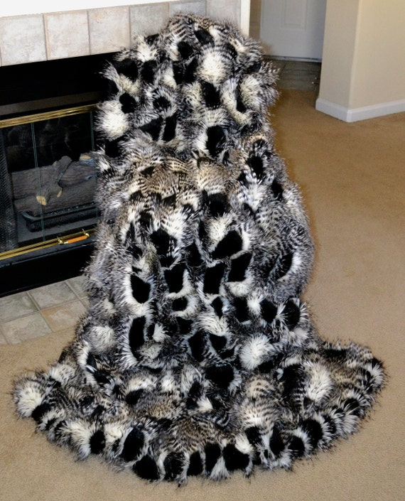 black and white ostrich faux fur fake fur blanket throw. Black Bedroom Furniture Sets. Home Design Ideas