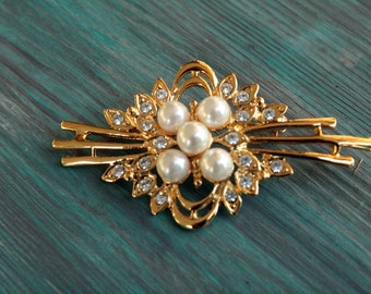 Vintage Genuine Crystal and Faux Pearl Gold Tone Brooch by Jennifer Moore