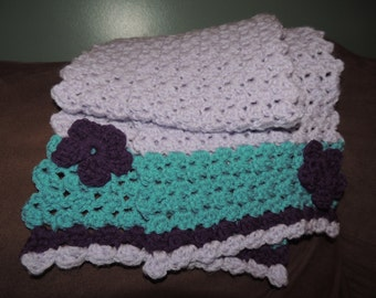 "60"" tri-color shell stitch scarf with flowers"