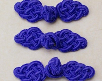 Bright purple frog closure. Celtic knot. Set of 3