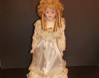 Beautiful Vintage porcelain doll 1980 original box never displayed