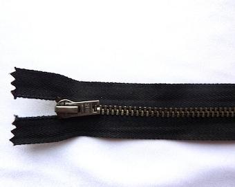 Black 13 inch closed bottom #4 UCAN zipper