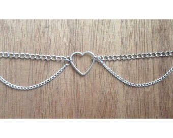 Open heart chain choker