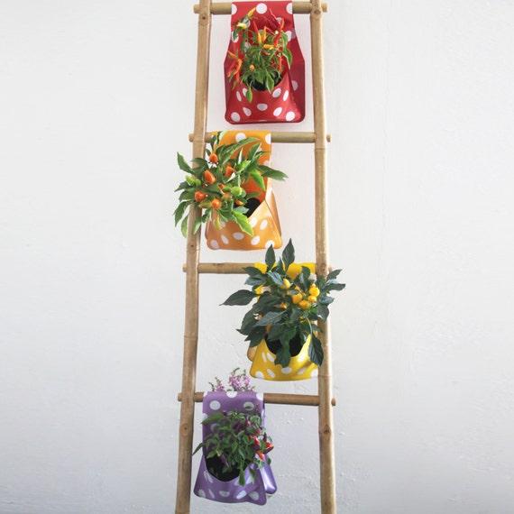 Articoli simili a appeso fioriera vaso da fiori for Fioriera a scala