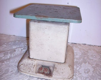 Shabby Chippy Old Kitchen Scales Store Scales Green and Cream Unusual