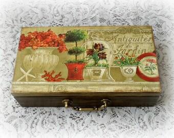 Vintage style wooden tea box , decoupage box , jewelry box , keepsake box , antique garden , antiquités du jardin , red flowers
