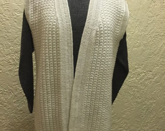 Womens Vest in White Color, Hand Knitted Vest