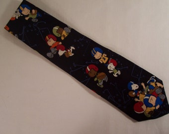 """Vintage Snoopy Peanuts Necktie """"A dog, a ball, and an openfield- what more could you want"""" 1960's Football   S597"""