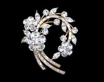 Crystal Large Flower Wreath Brooch Pin Gold Tone Clear