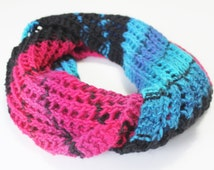 Hot Flashes Cowl Pattern - knit cowl / infinity scarf using heavy worsted aran weight yarn - great for self-stripe and hand-dyed yarns!