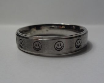 Hand stamped Stainless Steel Happy Smiley Faces ring, Comfort fit band, 6mm, Sizes 3-16, Your color choice
