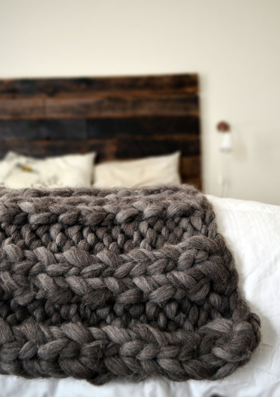 super chunky knit throw blanket dark gray wool by madaileinday. Black Bedroom Furniture Sets. Home Design Ideas
