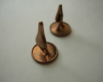 Deadstock Unworn Pointy Collar Buttons with Rotating Heads