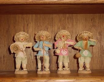 Vintage 4-piece set of Handmade Cornhusk Figurines, Carribbean culture, circa 1980's