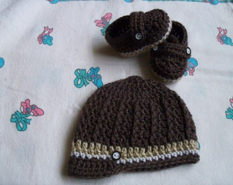 New Handmade Crochet Baby Boy Hat and Booties (0-3 month)