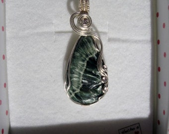 Serafinita pendant in sterling silver crimp