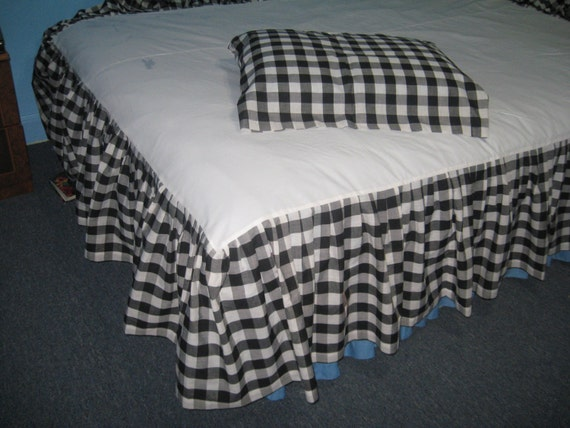 custom order for lizzardarms: 1 full size bed skirt 19