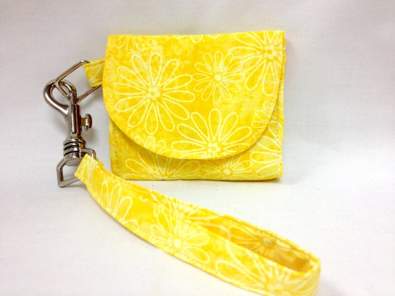 The Summer Daisy: Flower-Patterned Wallet
