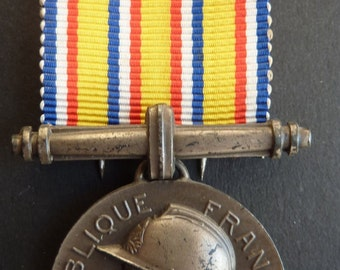 Original French Fire Service Award - Firemans 20 Years Long Service Medal