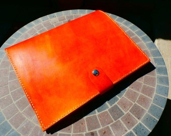 Handmade leather portfolio case in horizon tan
