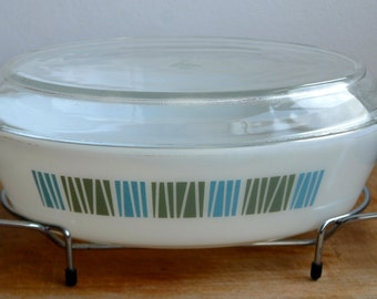 Vintage 1970's JAJ Pyrex Matchmaker Design Casserole/Serving Dish with Lid and Stand-Oval