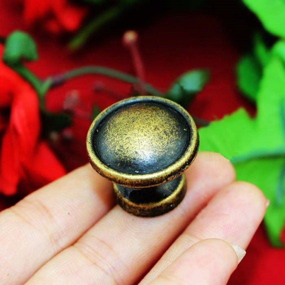 1 or 10 ancient round knobs meta bronze drawer pulls for Glass bureau knobs