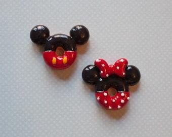 Mickey and Minnie Doughnut Cabochon - Mickey Donut Bow Center