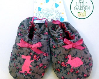 Slippers in beige velvet and flowers baby pink with bunnies